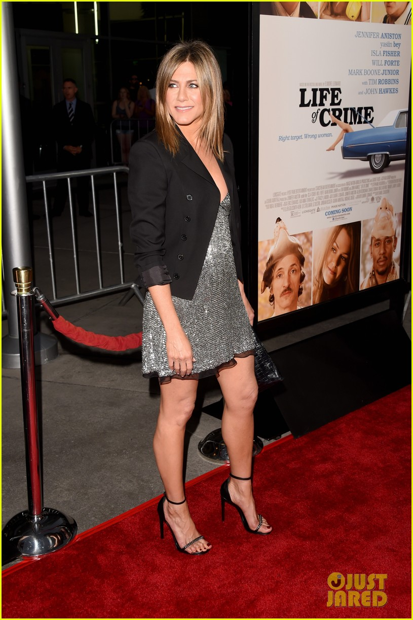 jennifer aniston will forte life of crime premiere 143185161