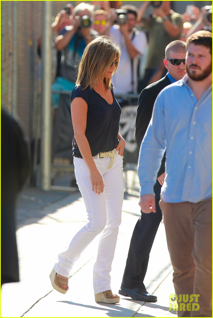jennifer aniston jimmy kimmel live 01