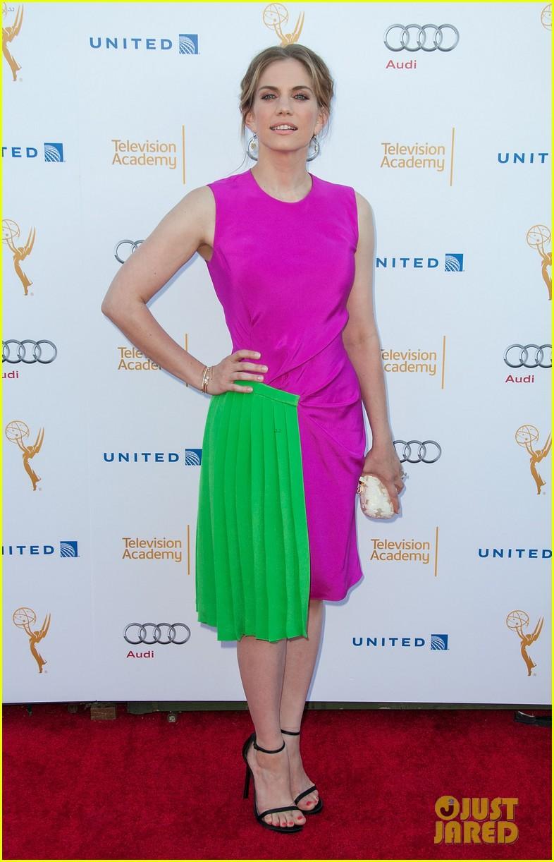 anna chlumsky mayim bialik tv academy nominee reception 2014 03