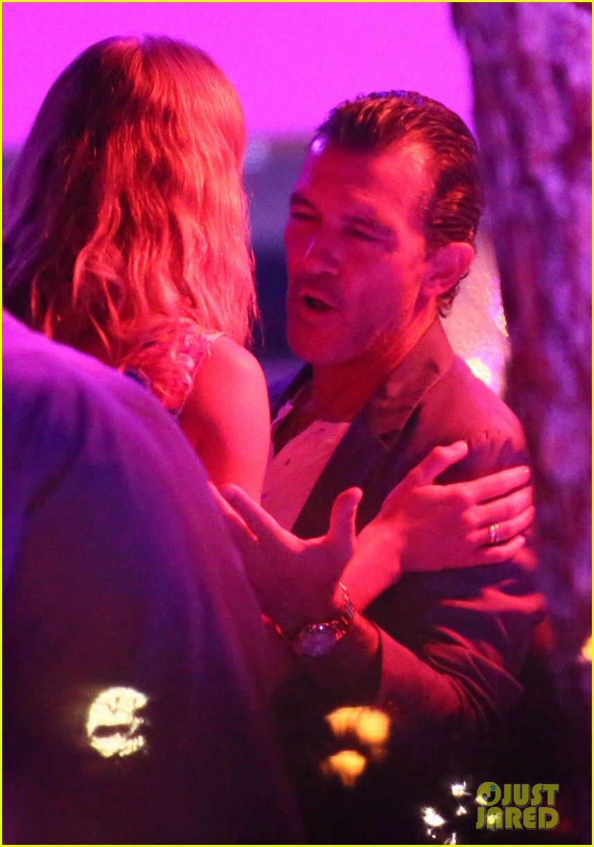 antonio banderas cozies up to mystery gal in saint tropez 17