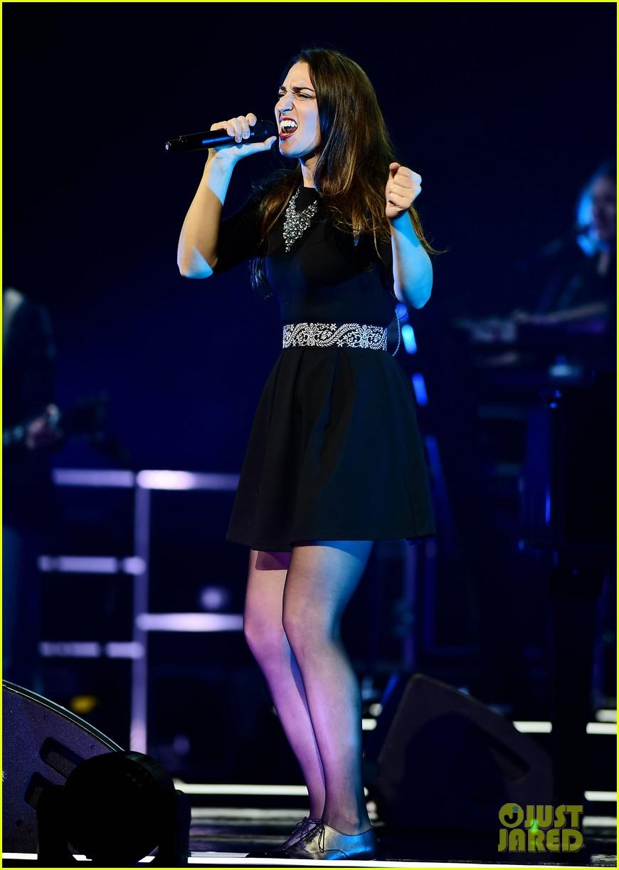 sara bareilles final little black dress tour show 023177865