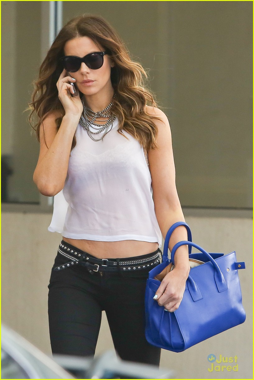 kate beckinsale bares midriff 113180670