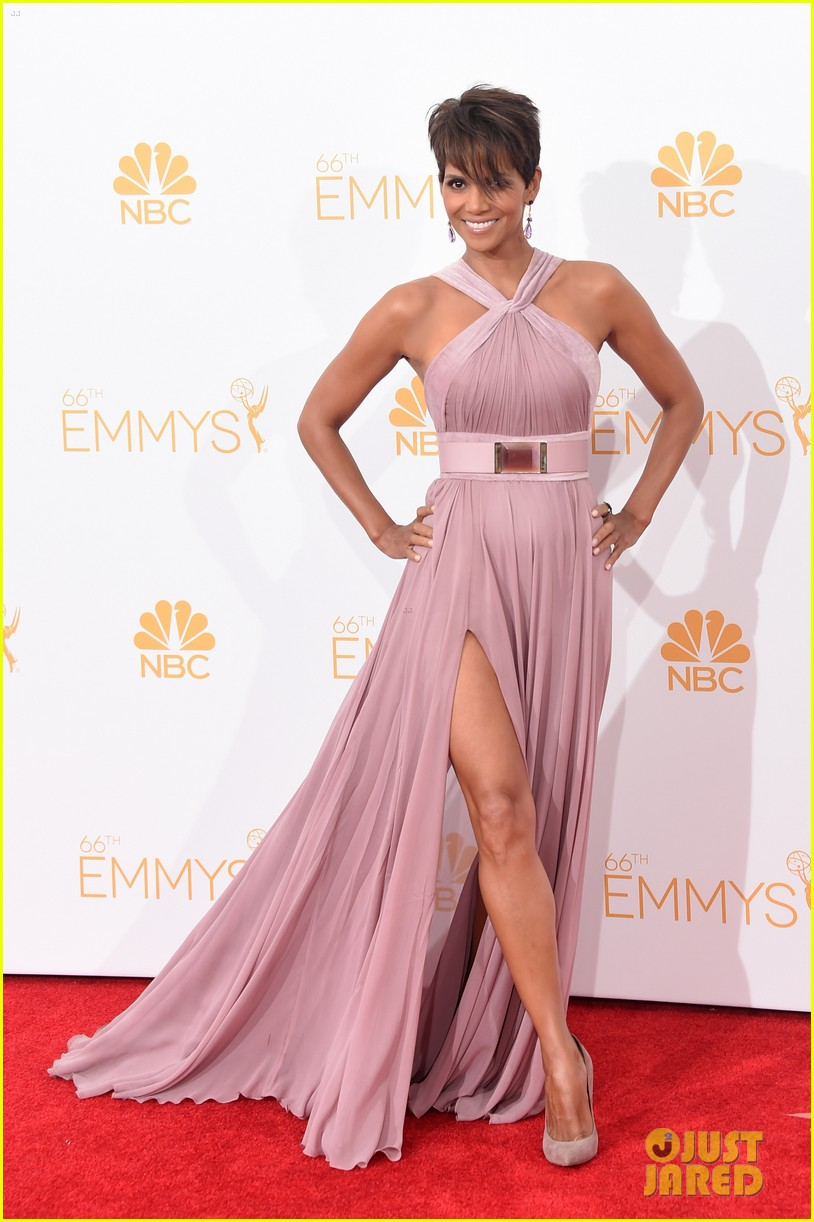 halle berry emmys 2014 013183851