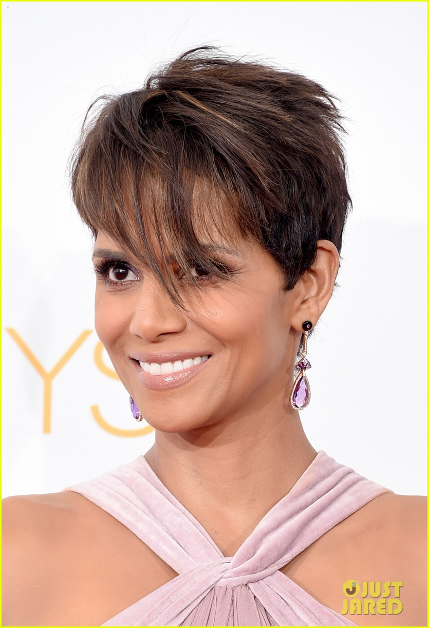 halle berry emmys 2014 02
