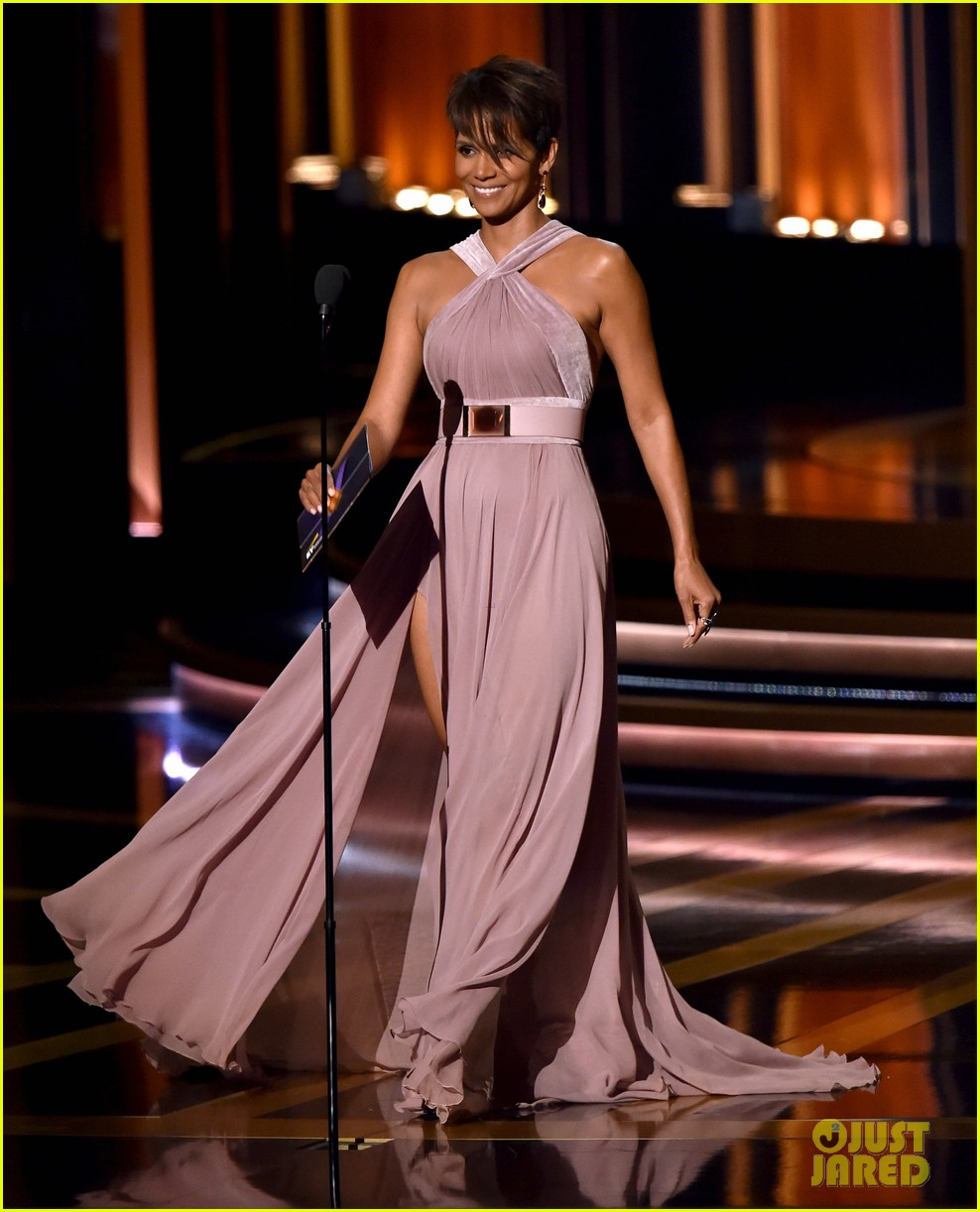 halle berry emmys 2014 033183853