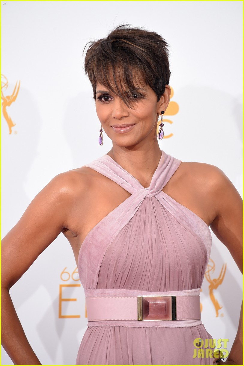 halle berry emmys 2014 043183854