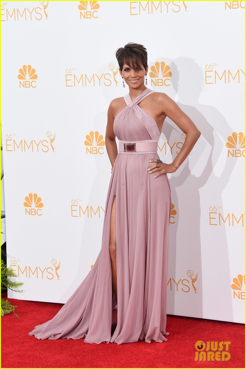 halle berry emmys 2014 073183857
