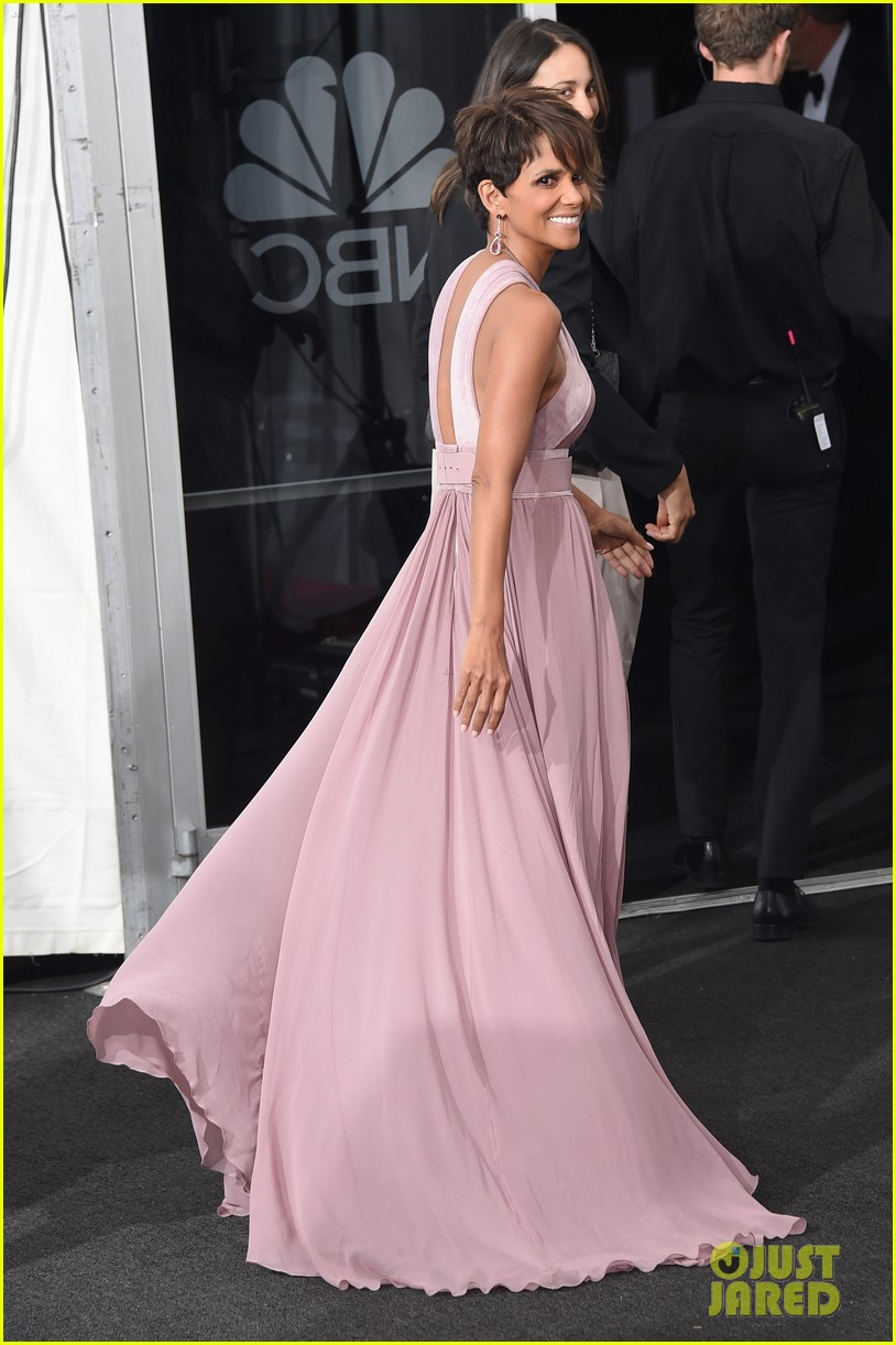 halle berry emmys 2014 093183859