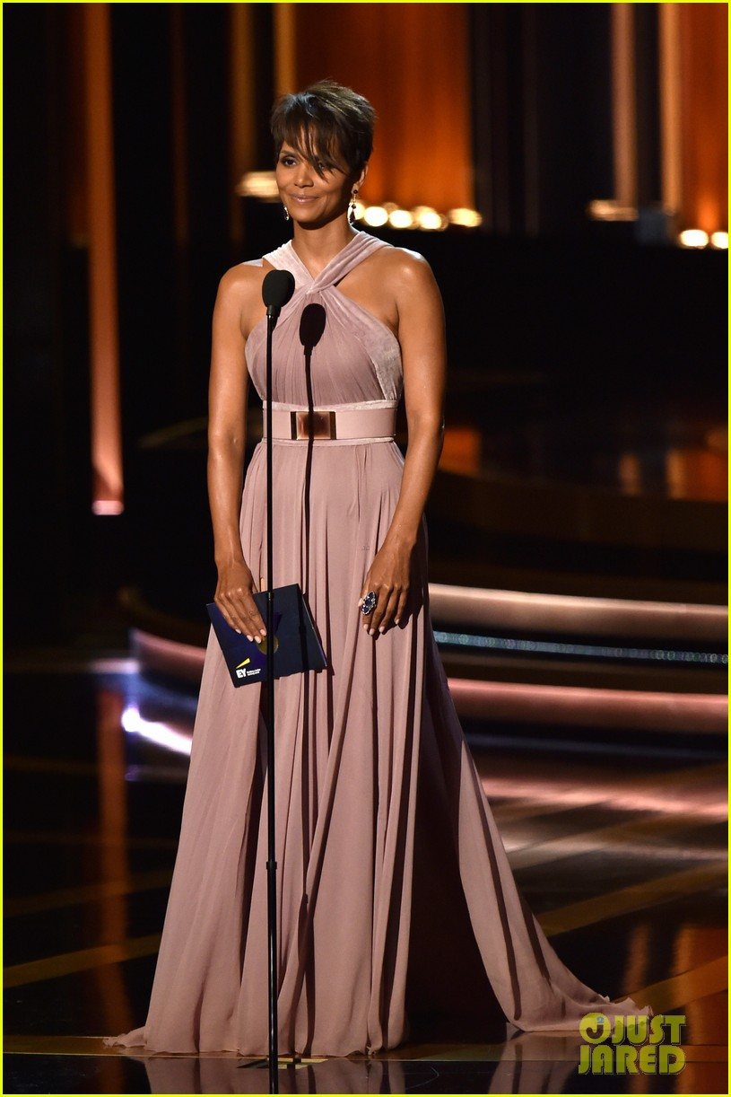 halle berry emmys 2014 143183864