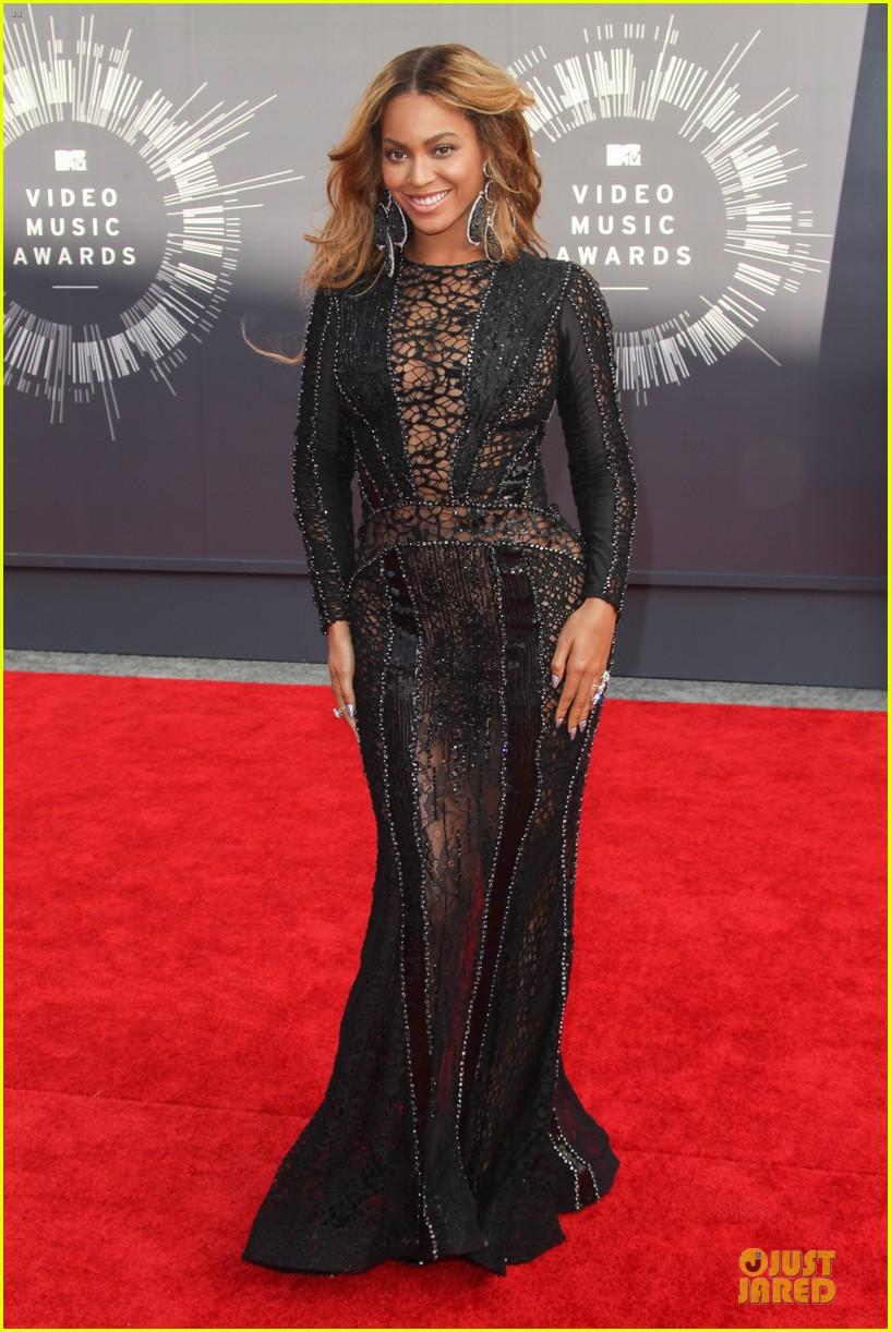 Beyonce Black Dress