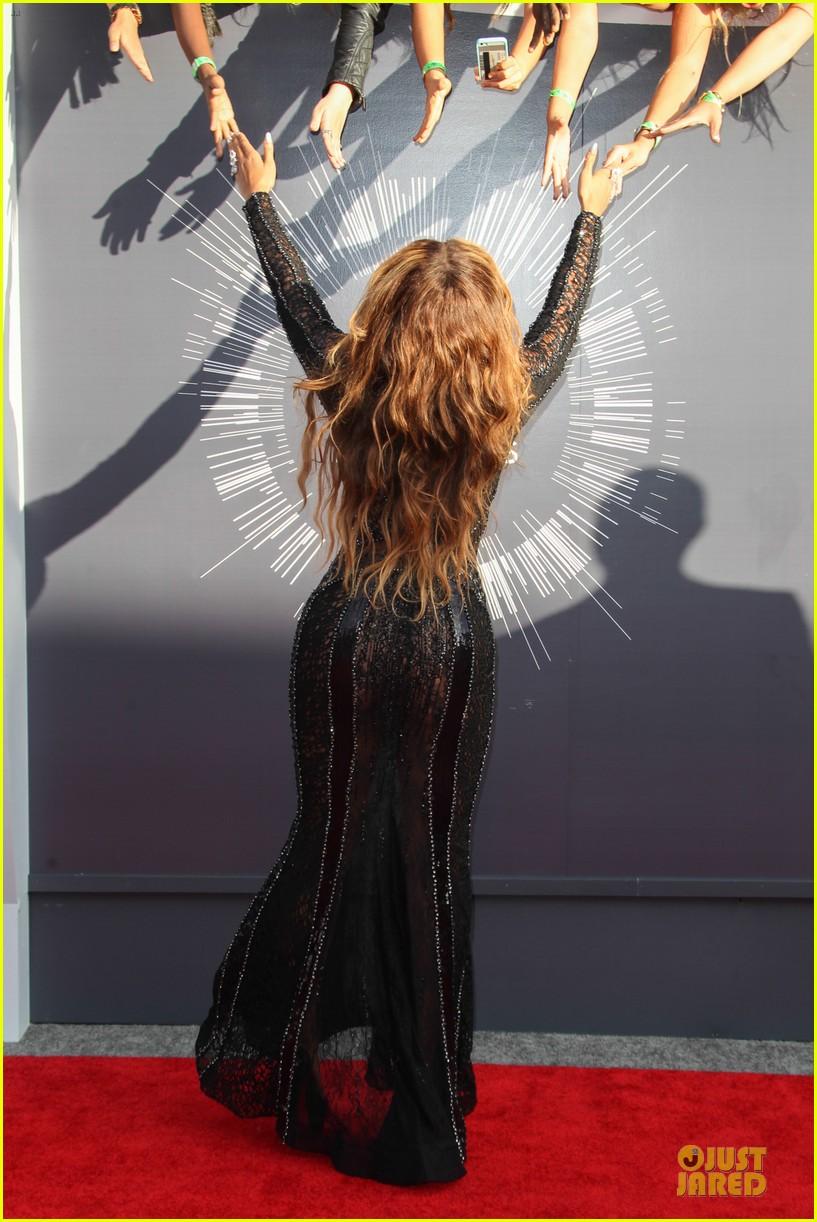 beyonce black dress vmas 2014 053182498