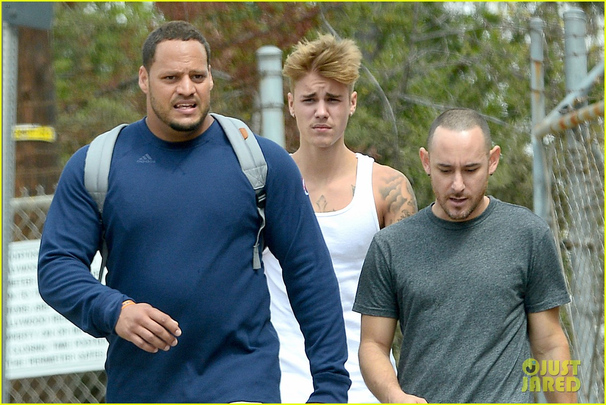 justin bieber boxing skills hike with friends 03
