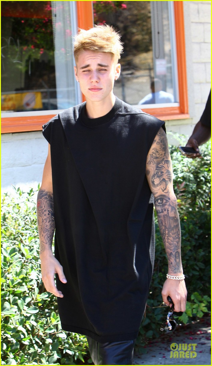 justin bieber get sued by photographer for alleged assault 153181322