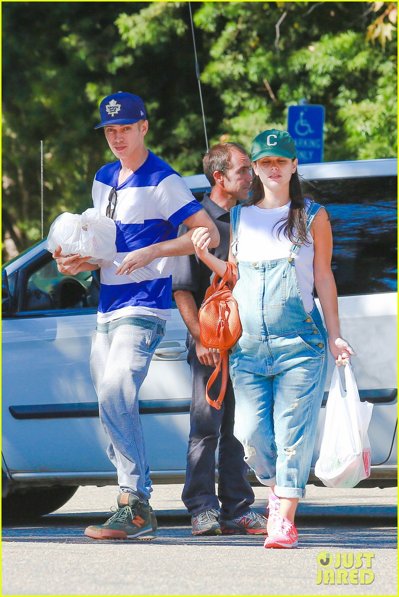 rachel bilson hayden christensen take another babymoon 12