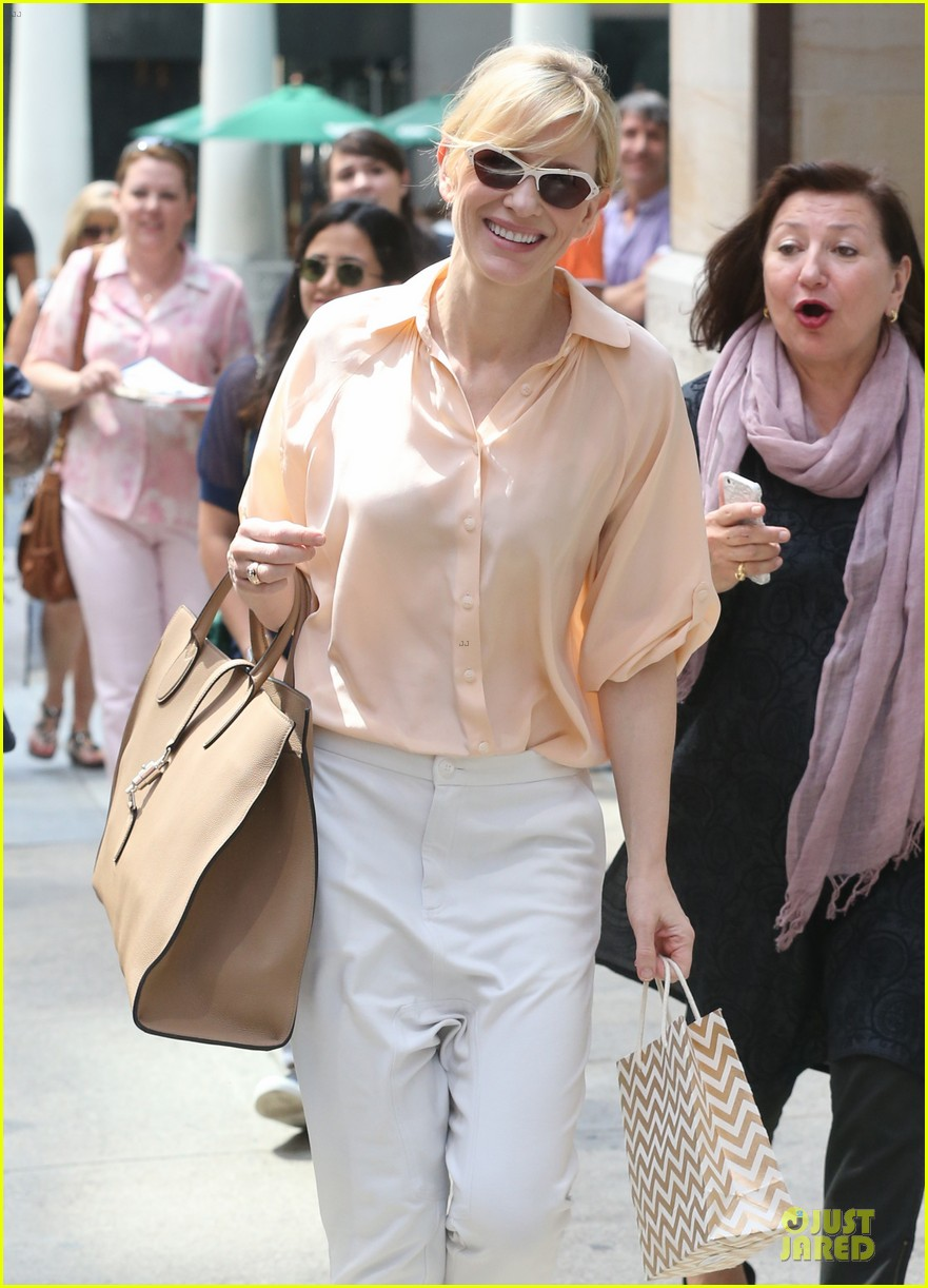cate blanchett pulls a justin bieber with drop crotch pants 043177570