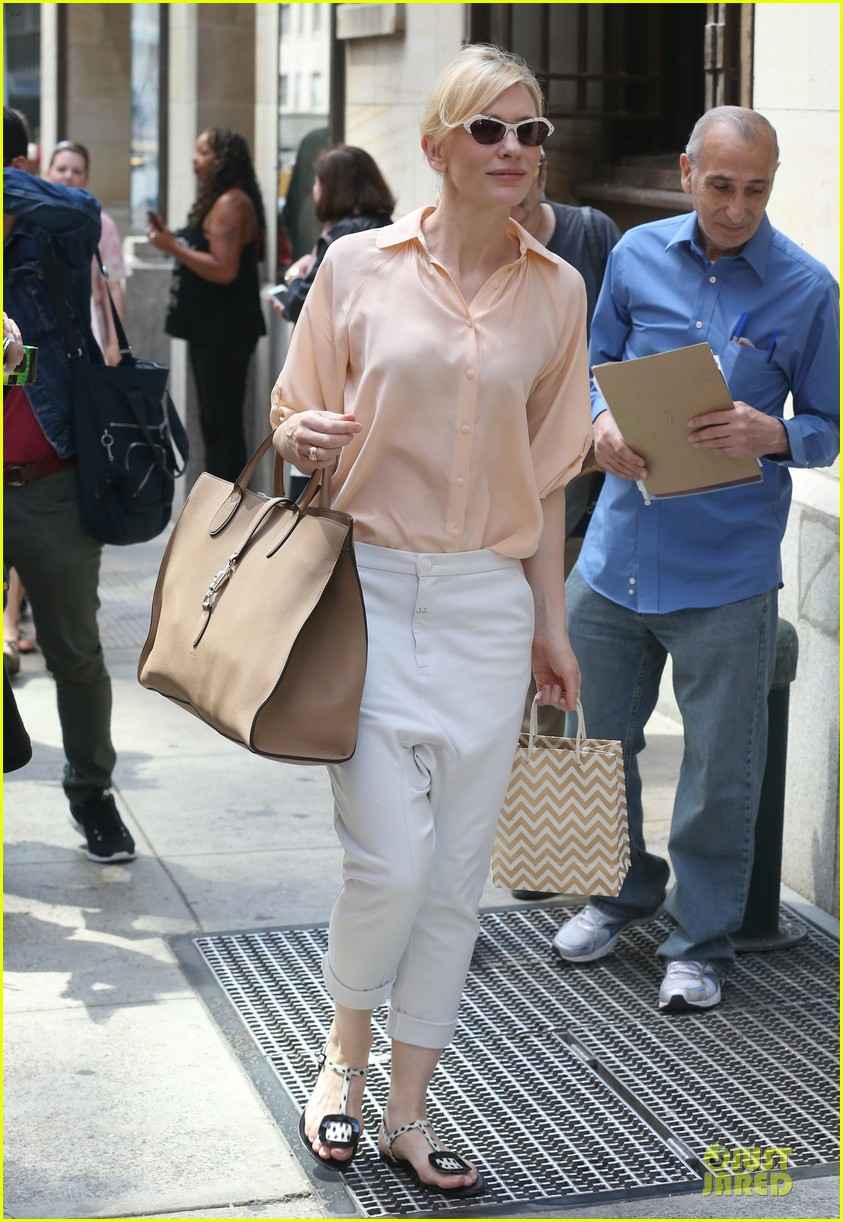 cate blanchett pulls a justin bieber with drop crotch pants 113177577