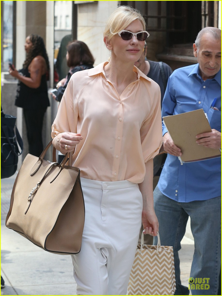 cate blanchett pulls a justin bieber with drop crotch pants 123177578
