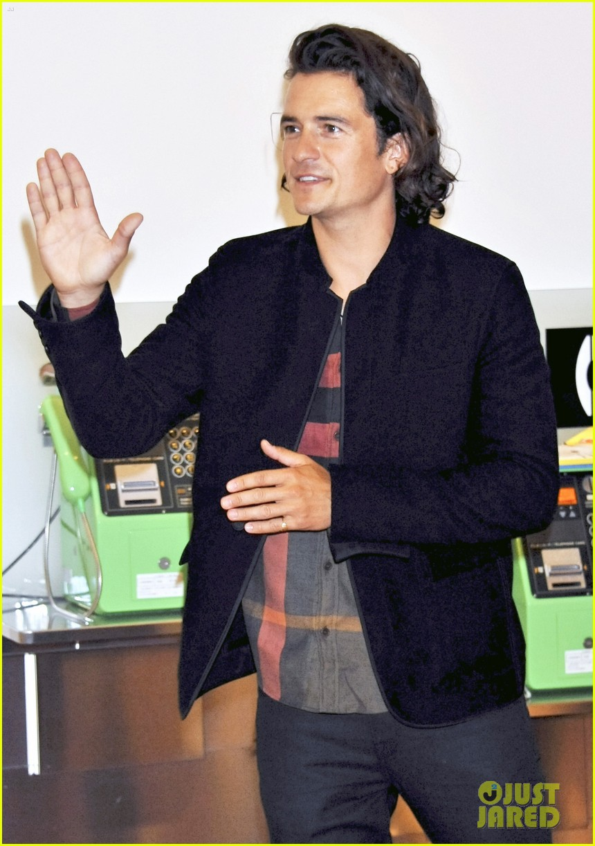 orlando blooms ex miranda kerr hires a nanny to watch flynn while hes with him 023184177