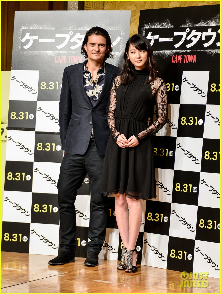 orlando bloom rocks suit at zulu japan 033184541