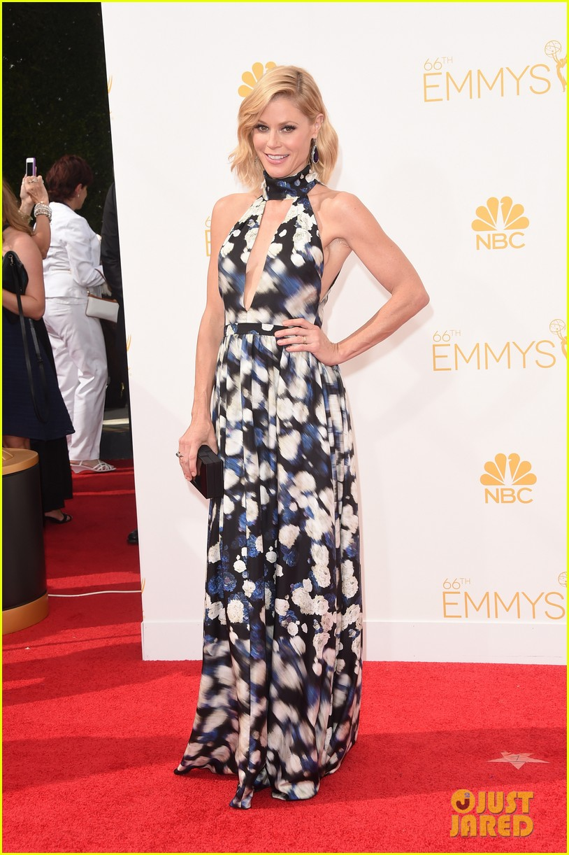 julie bowen sarah hyland emmy red carpet 123183456