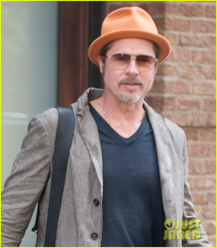 brad pitt wears his favorite orange hat nyc 023187083