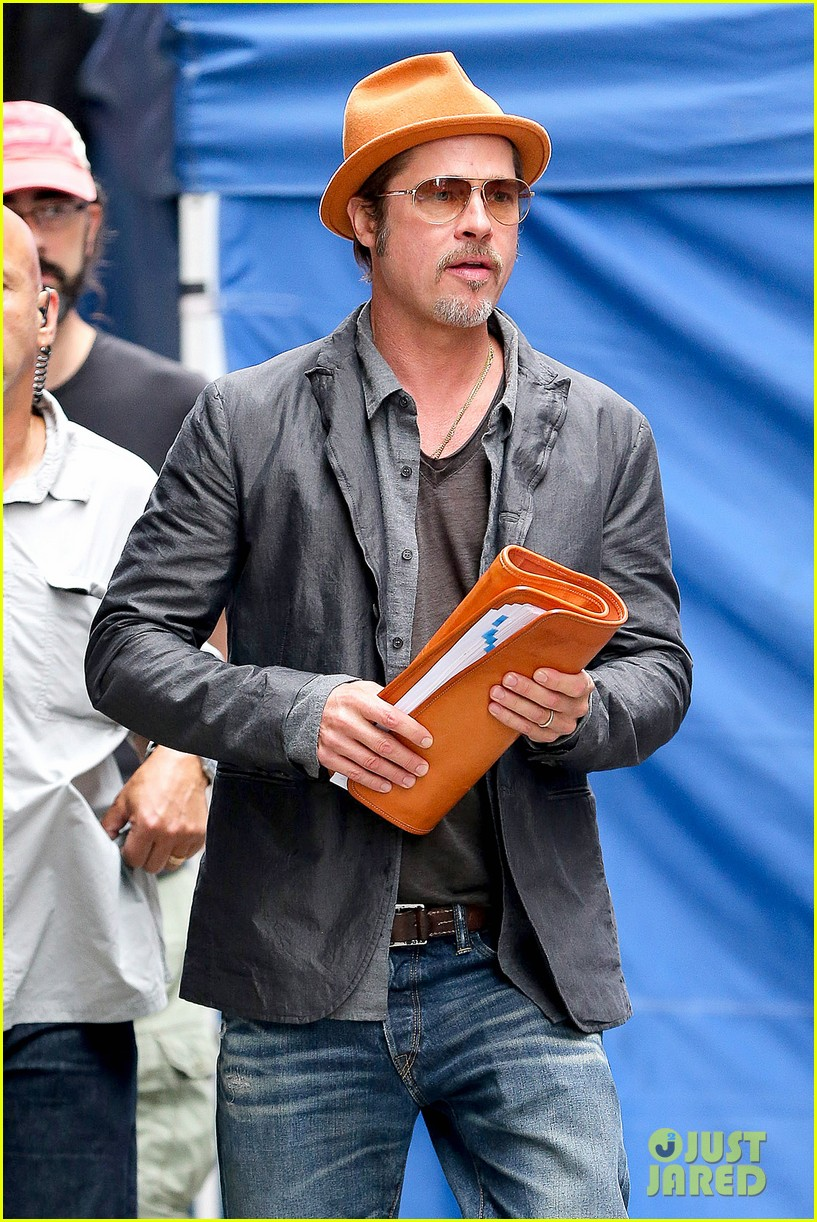 brad pitt wedding ring business meeting nyc 083186713