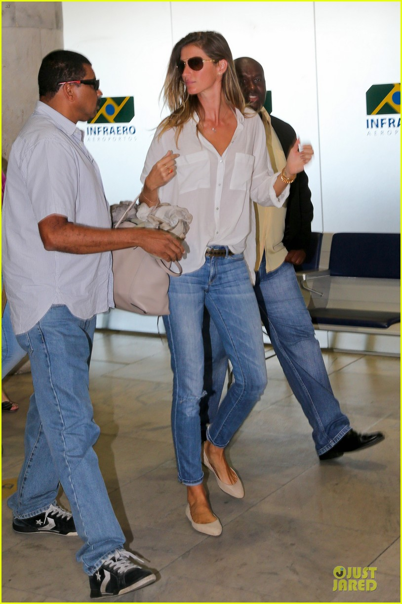 gisele bundchen brazil after playing soccer 05
