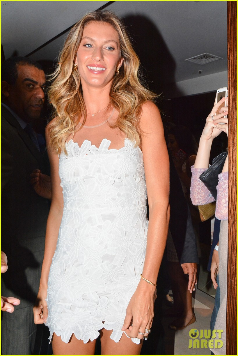 gisele bundchen launches her intimates line in brazil 093184599