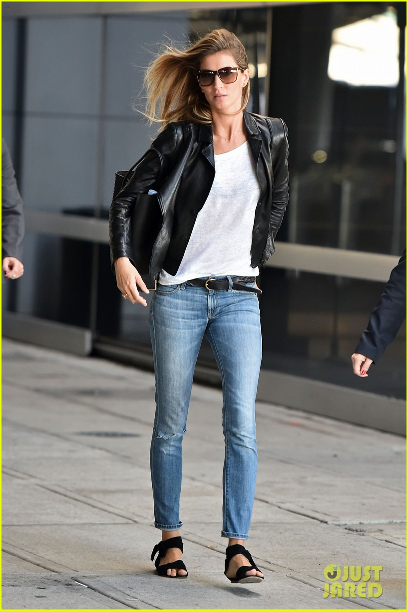 gisele bundchen lands in leather after short trip to brazil 043185655