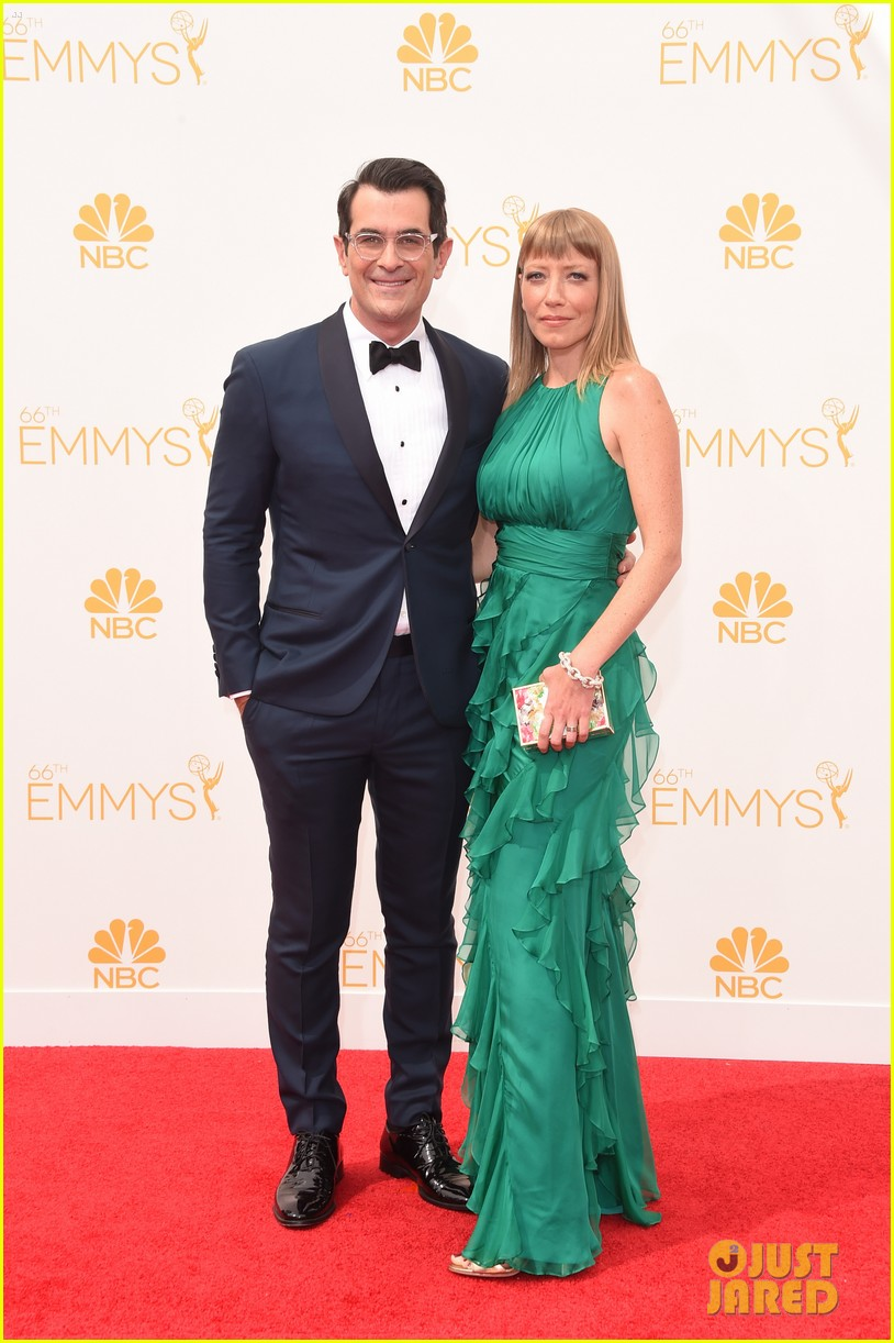 ty burrell eric stonestreet emmy red carpet 043183409