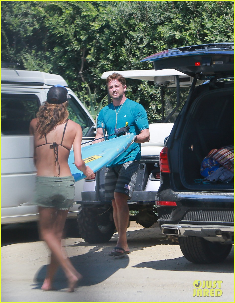 gerard butler cant keep his hands off his mystery girl 103183108