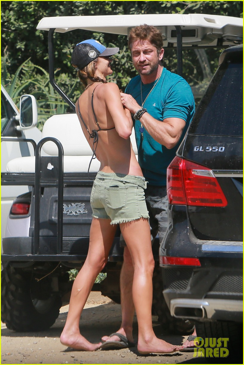 gerard butler cant keep his hands off his mystery girl 213183119