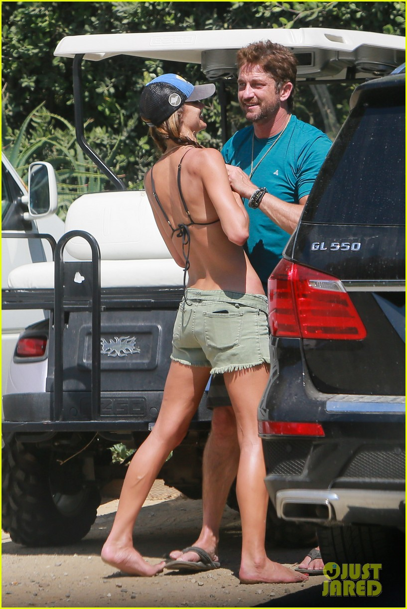 gerard butler cant keep his hands off his mystery girl 223183120