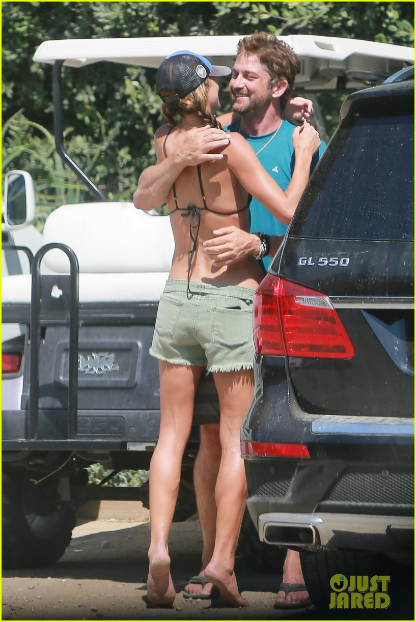 gerard butler cant keep his hands off his mystery girl 30