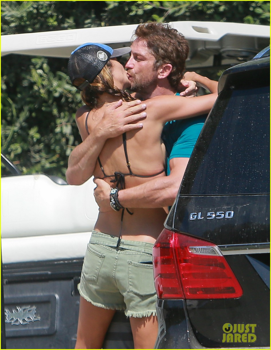 gerard butler cant keep his hands off his mystery girl 323183130