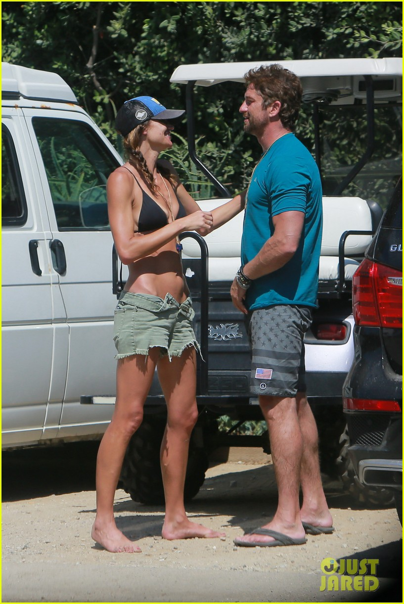 gerard butler cant keep his hands off his mystery girl 46