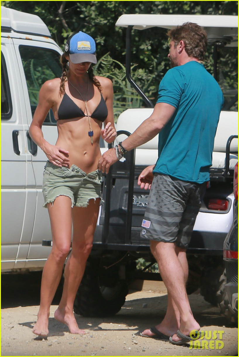 gerard butler cant keep his hands off his mystery girl 603183158