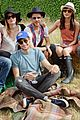 cara delevingne douglas booth mulberry wilderness picnic 05