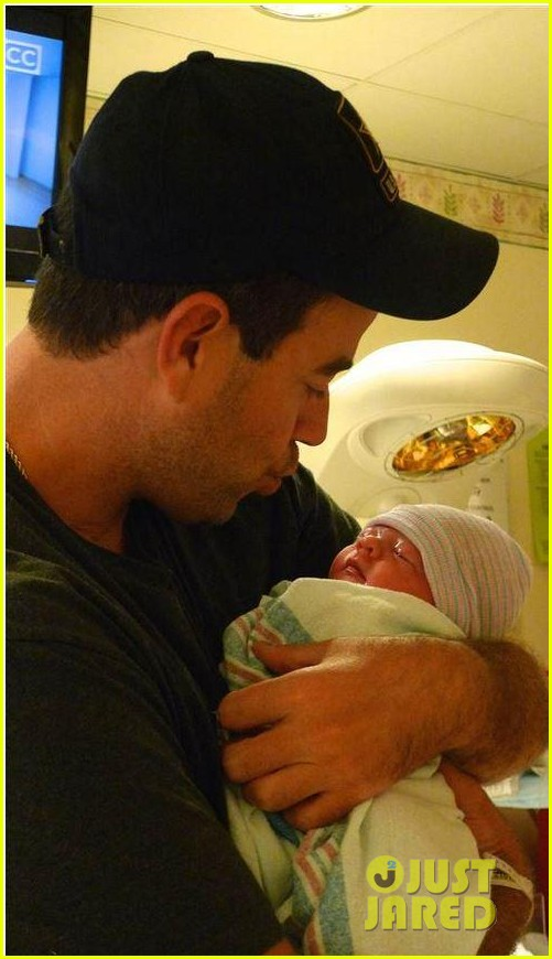 carson daly welcomes daughter london rose 023180037