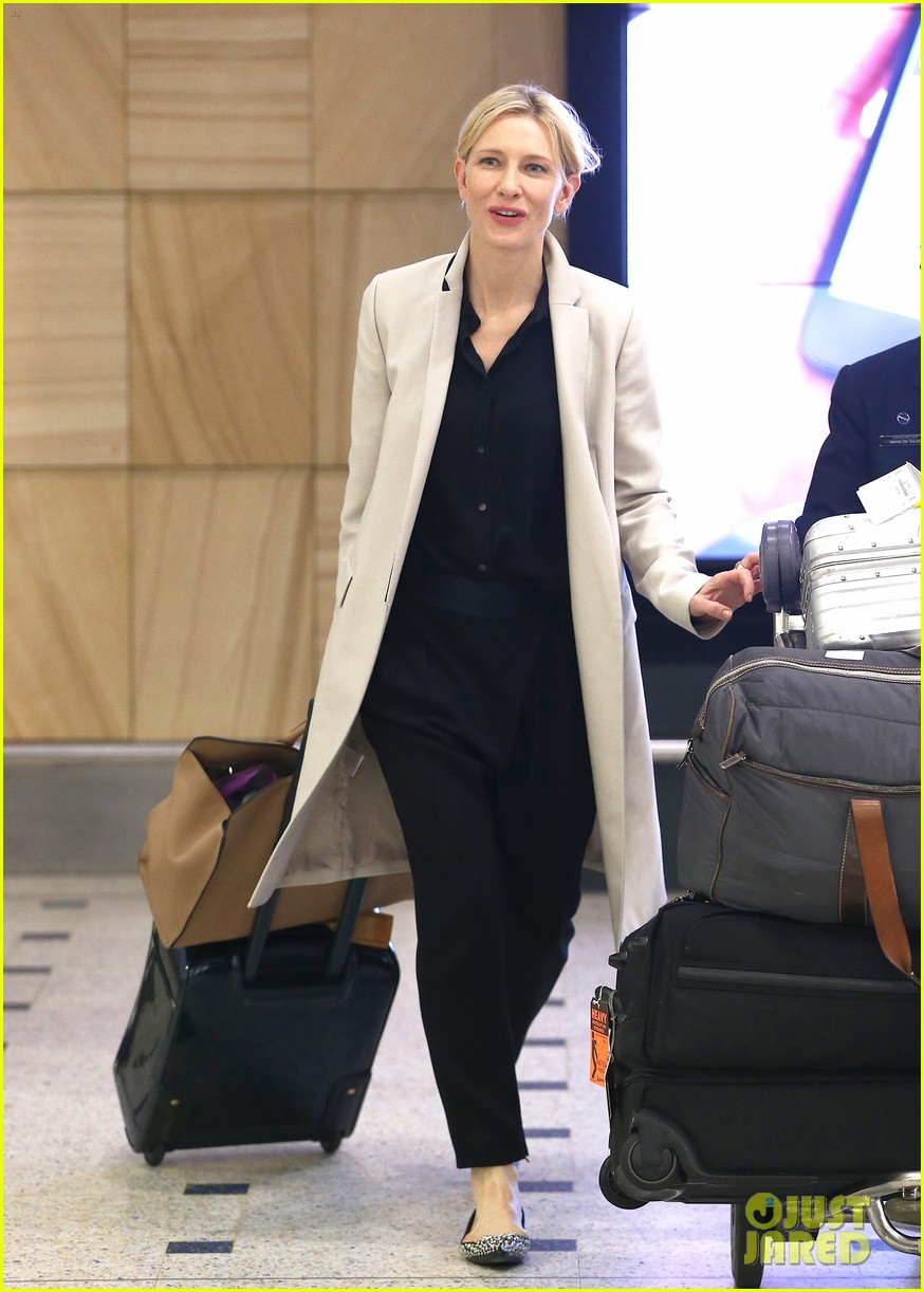 cate blanchett lands in australia after jungle book casting news 013184184