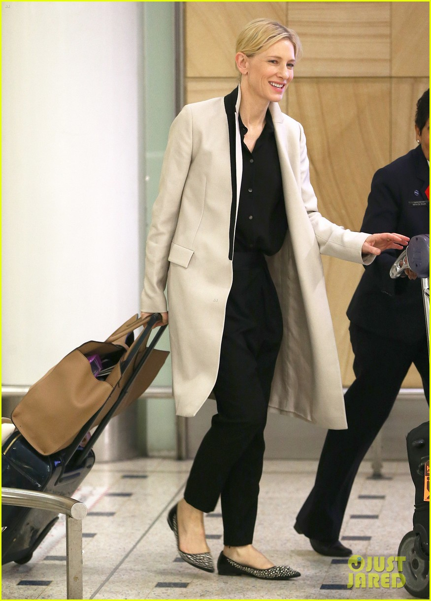 cate blanchett lands in australia after jungle book casting news 043184187