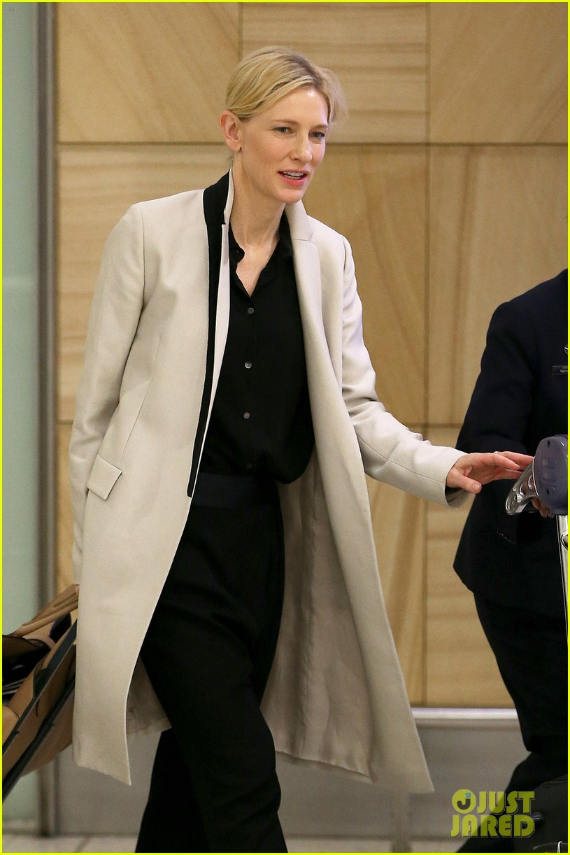 cate blanchett lands in australia after jungle book casting news 05
