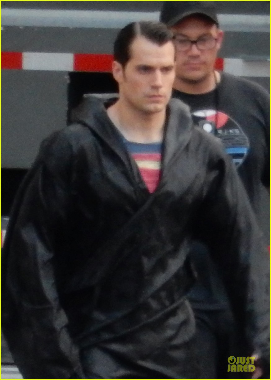 henry cavill hides superman costume 023178976