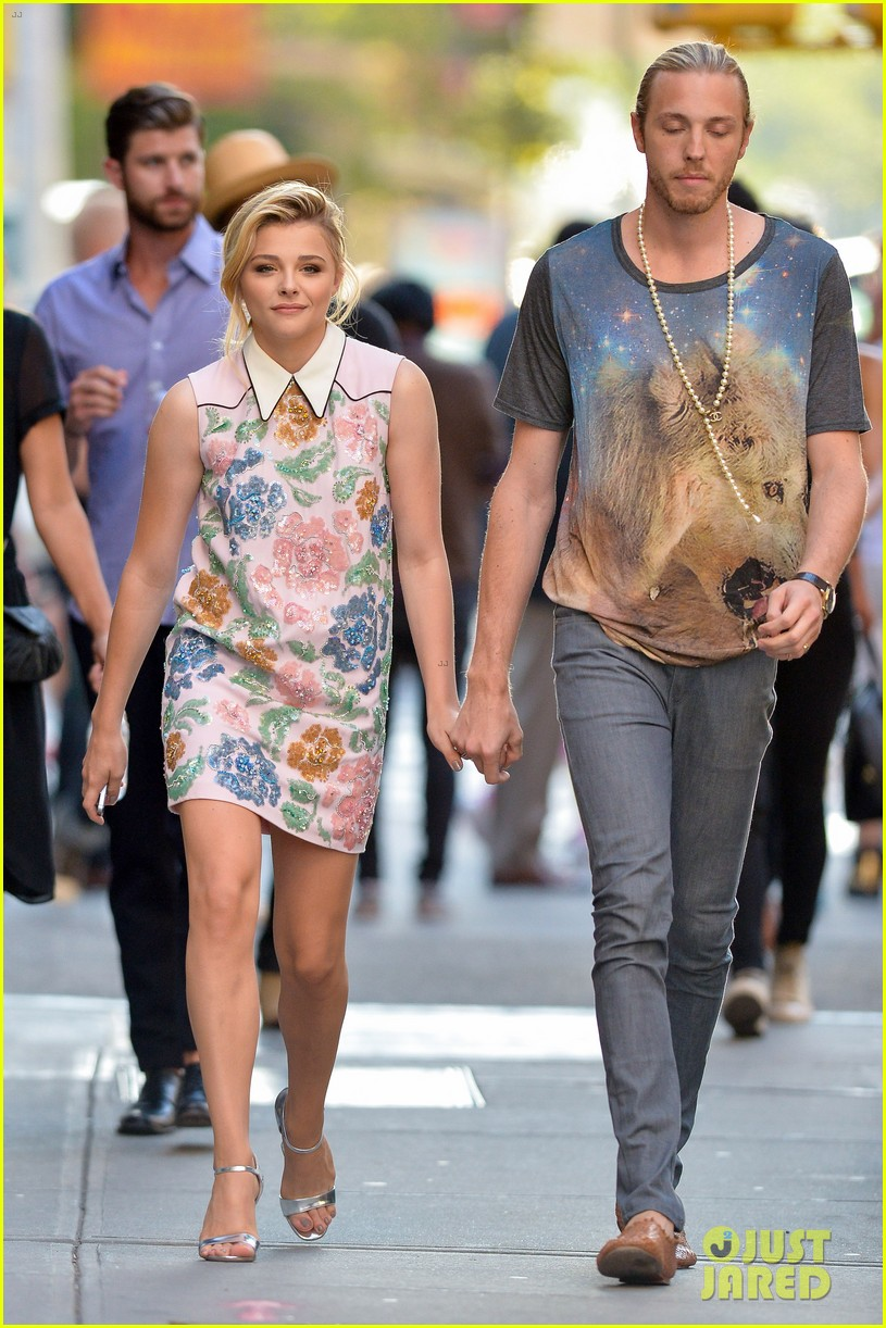 Chloe Moretz Premieres If I Stay In Nyc With Jamie Blackley Photo
