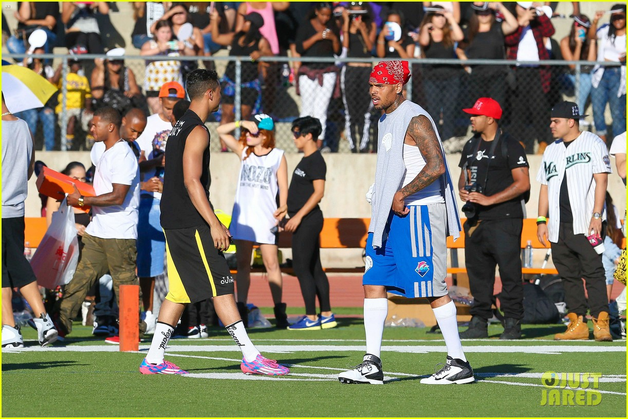 Celebrity dress up games chris brown