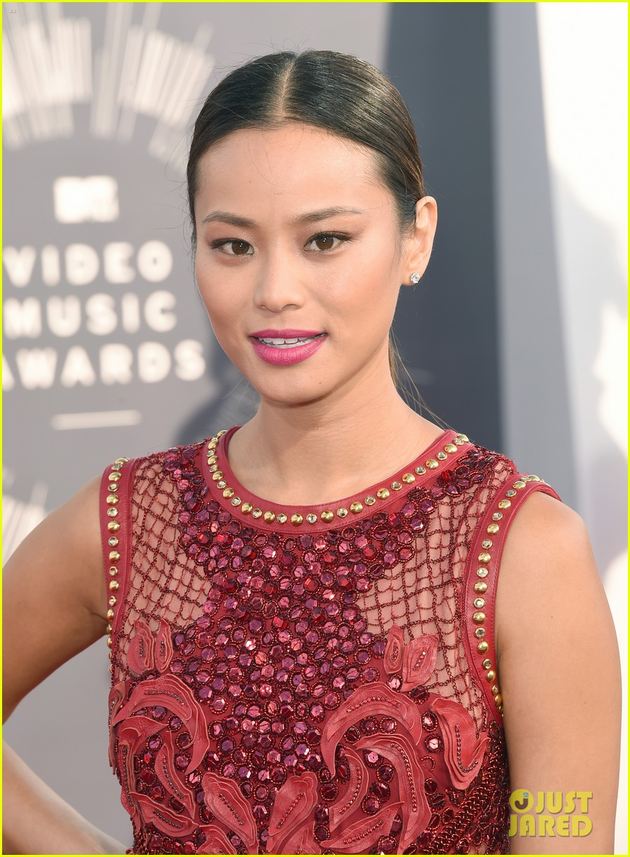 jamie chung lace red mtv vmas 033182545