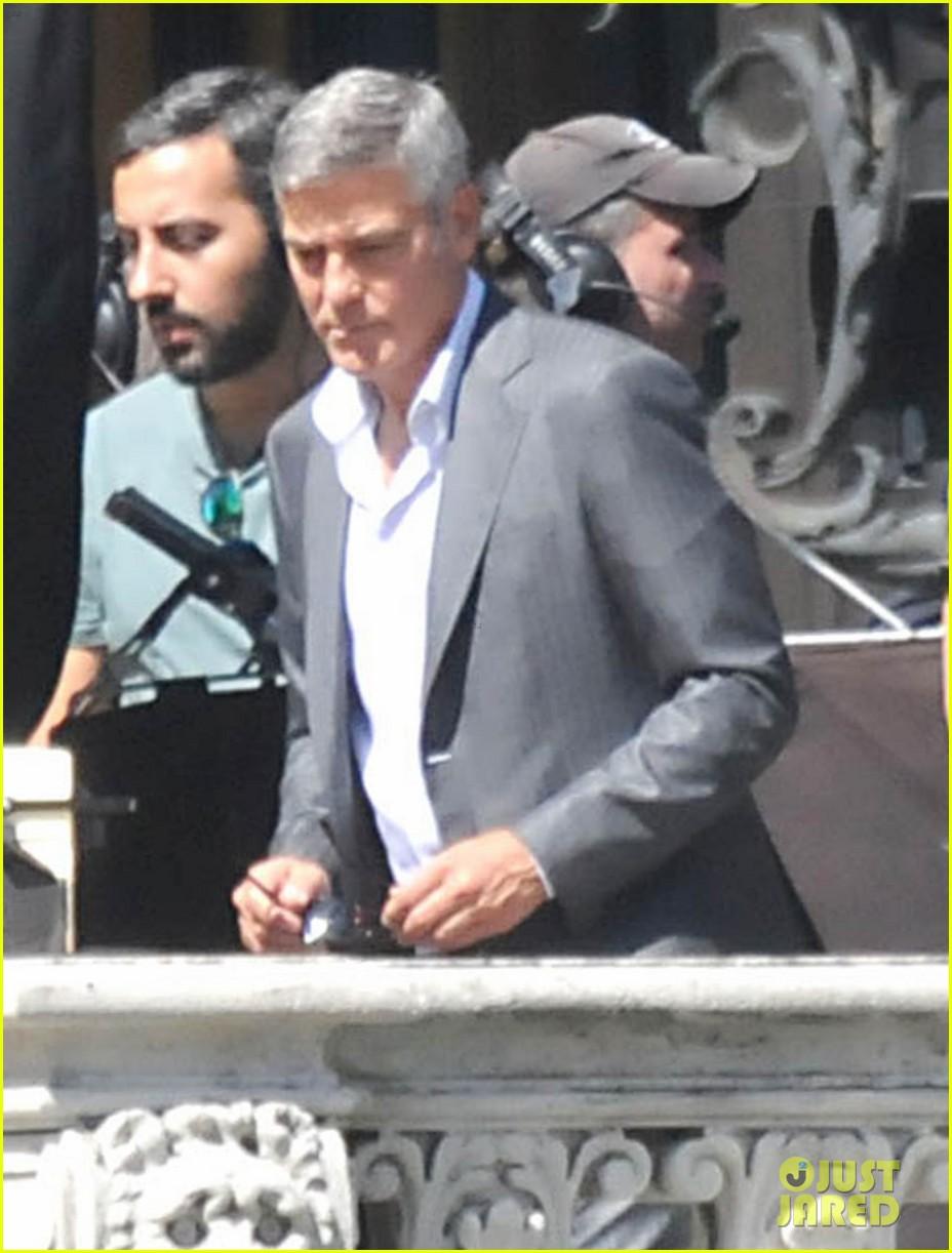 george clooney gets visit from amal alamuddin on set 103185138