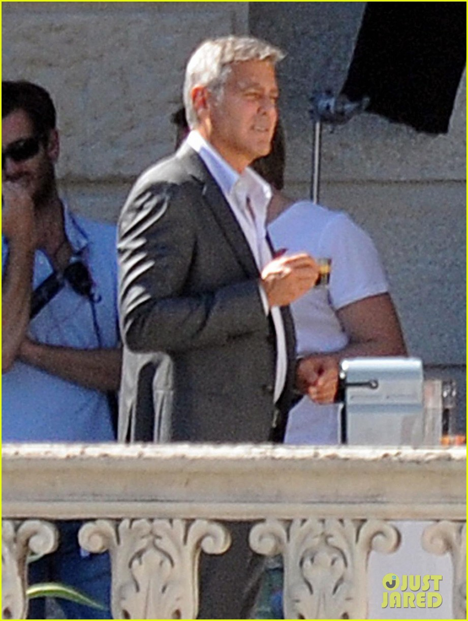 george clooney gets visit from amal alamuddin on set 163185144