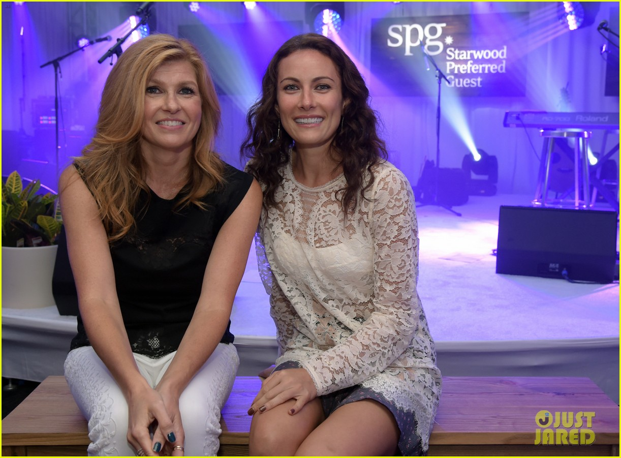 connie britton laura benanti kellie pickler concert 063182122