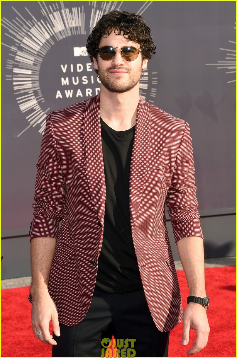 darren criss mtv vmas red carpet 033182550